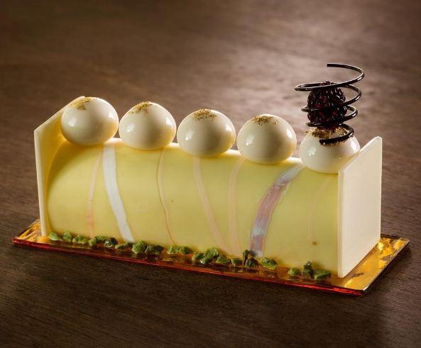 10 Keramik berbentuk kue ini dijamin bikin ngiler, gimana buatnya ya?
