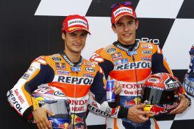 Ini tips berkendara motor yang aman menurut Marquez & Pedrosa
