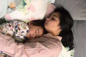 10 Gaya Nagita Slavina saat tidur, masih tetap cantik nggak ya?