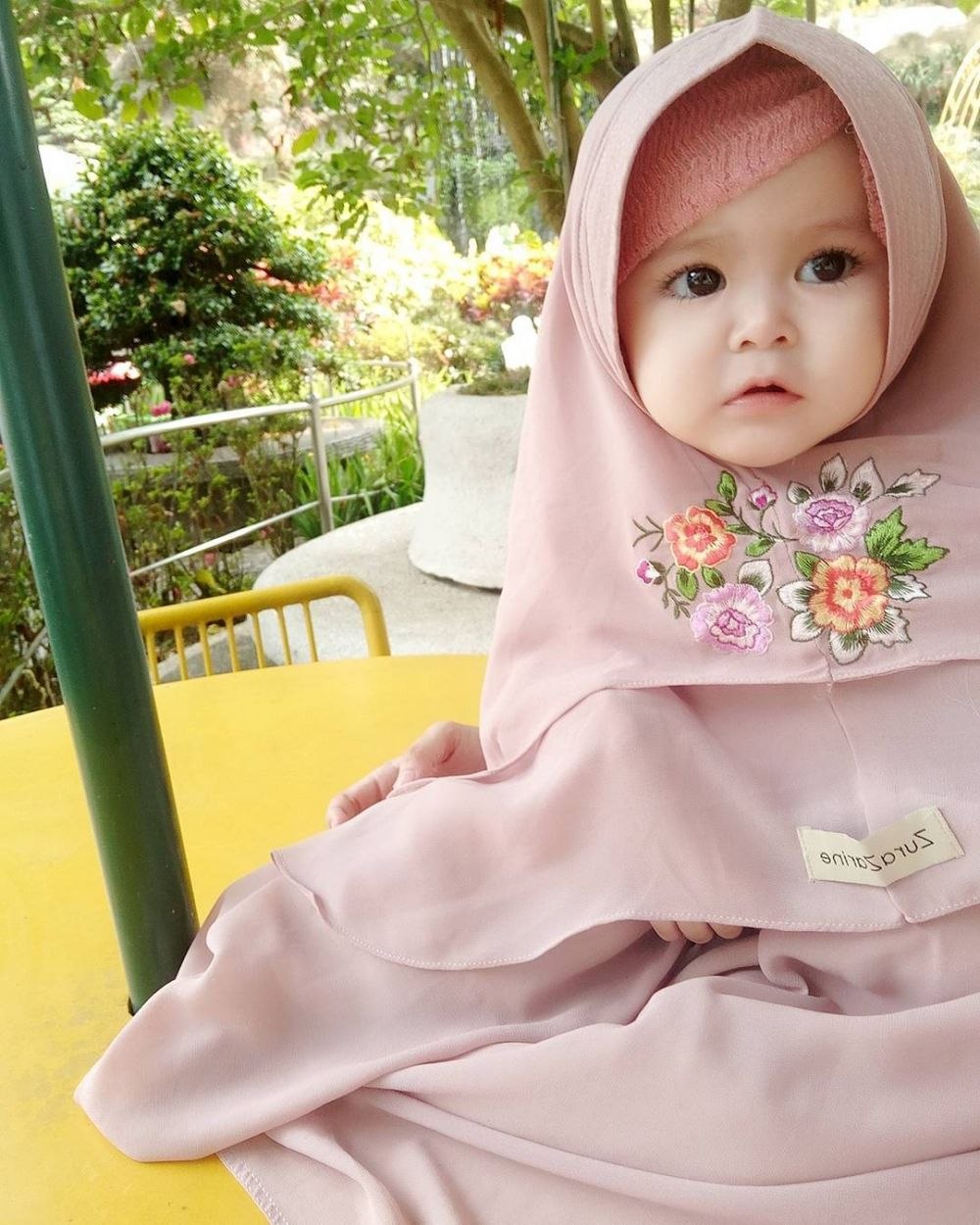 12 Potret Lucu Naura Alaydrus Bayi 1 Tahun Yang Hits Dengan Hija