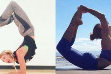 7 Pose yoga ini pantang dilakukan ketika haid, cewek harus tahu