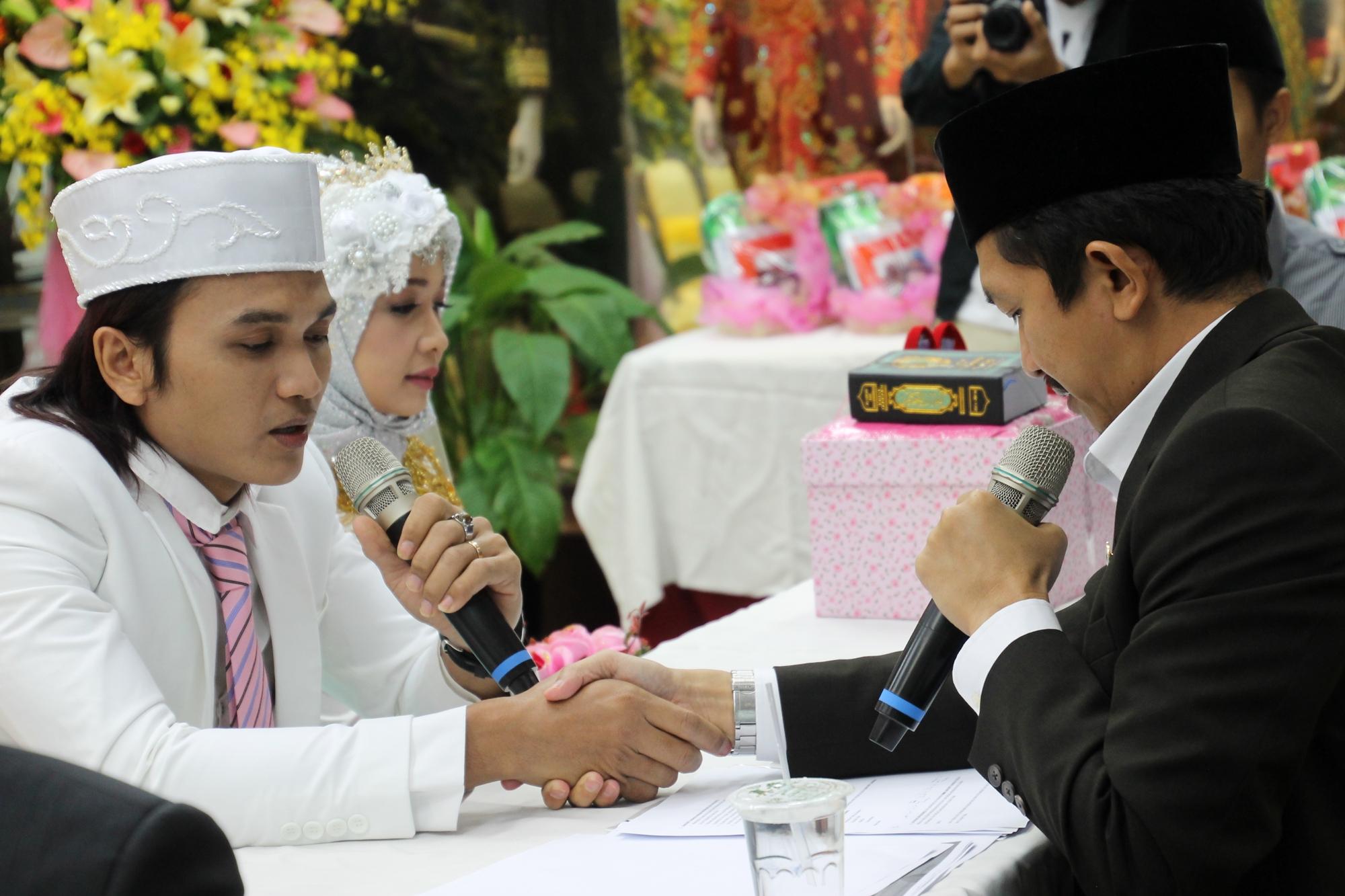 Menjadi TKI, 6 pasangan ini merajut cinta hingga nikah di negeri orang
