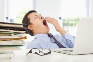 Kenapa orang lebih suka tidur saat mendengarkan pidato?