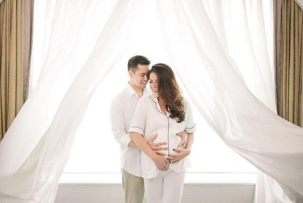 Melahirkan anak ketiga, Olla Ramlan dikaruniai bayi perempuan