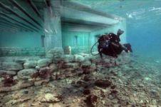 10 Penemuan paling unik di samudera, ada kota berusia 5.000 tahun