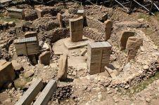 Misteri 10 bangunan kuno dunia yang dipercaya tak dibuat oleh manusia