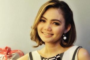 9 Kicauan bijak semangati Rina Nose setelah melepas hijab