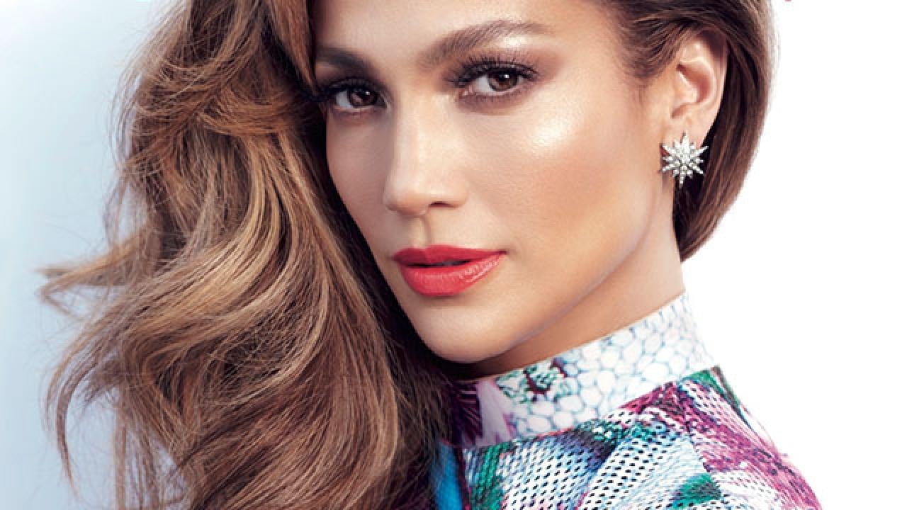 Rahasia tampil flawless dan glowing ala makeup artist langganan J-Lo
