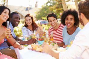 5 Ekspektasi vs realita makan sama temen yang pasti pernah kamu alami