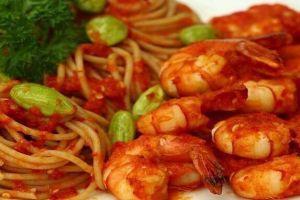 Pecinta pedas, yuk buat spagetti udang cabai di rumah