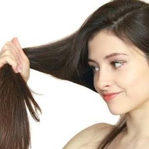 4 Tips penting merawat rambut bagi kamu yang pakai hijab