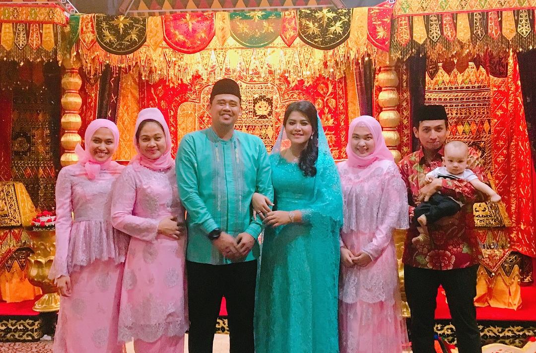 7 Potret kekompakan Kahiyang dengan keluarga besar Bobby Nasution