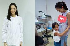 9 Penampilan Ririn Dwi Ariyanti, hamil anak ketiga makin cantik