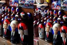 Ada wajah Soekarno, Jokowi dan Ahok di toko souvenir Rusia, keren!