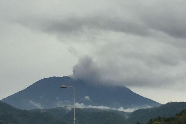 Warga dunia ikut bersimpati atas meletusnya Gunung Agung