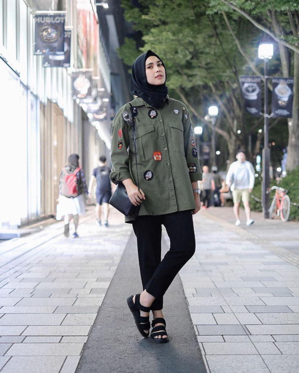 Hangat & stylish di musim hujan, tiru 7 style parka ala s