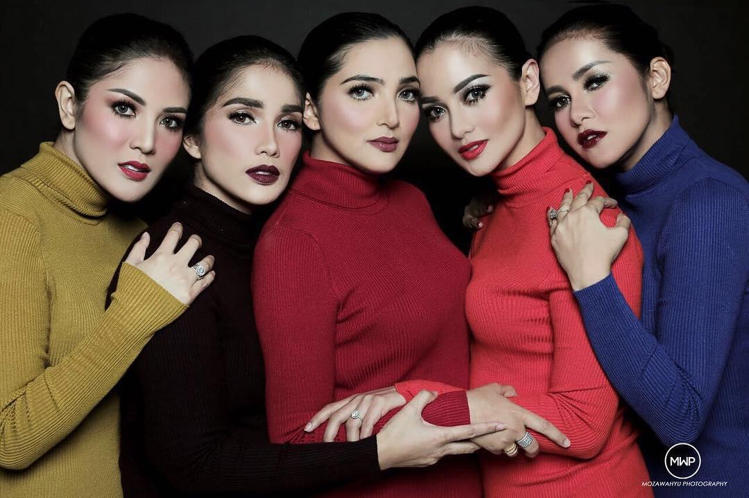 6 Gaya Ashanty & sahabat sesama artis saat pemotretan, glamor abis