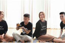 Jago ngedit, 15 foto imajinasi pemuda ini dengan artis bikin iri abis