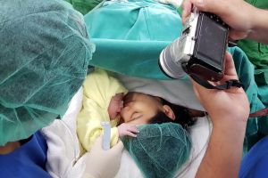 Terungkap, ini nama anak kedua Titi Kamal dan Christian Sugiono