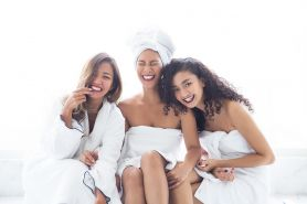 6 Warna lipstik terbaik untuk kulit sawo matang di bawah Rp 100 ribu