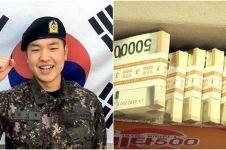 Temukan uang Rp 1 M saat wajib militer, tindakan pria ini mengharukan