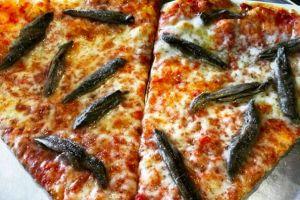 7 Toping pizza ini bikin kamu mikir dua kali untuk makan, ada terinya