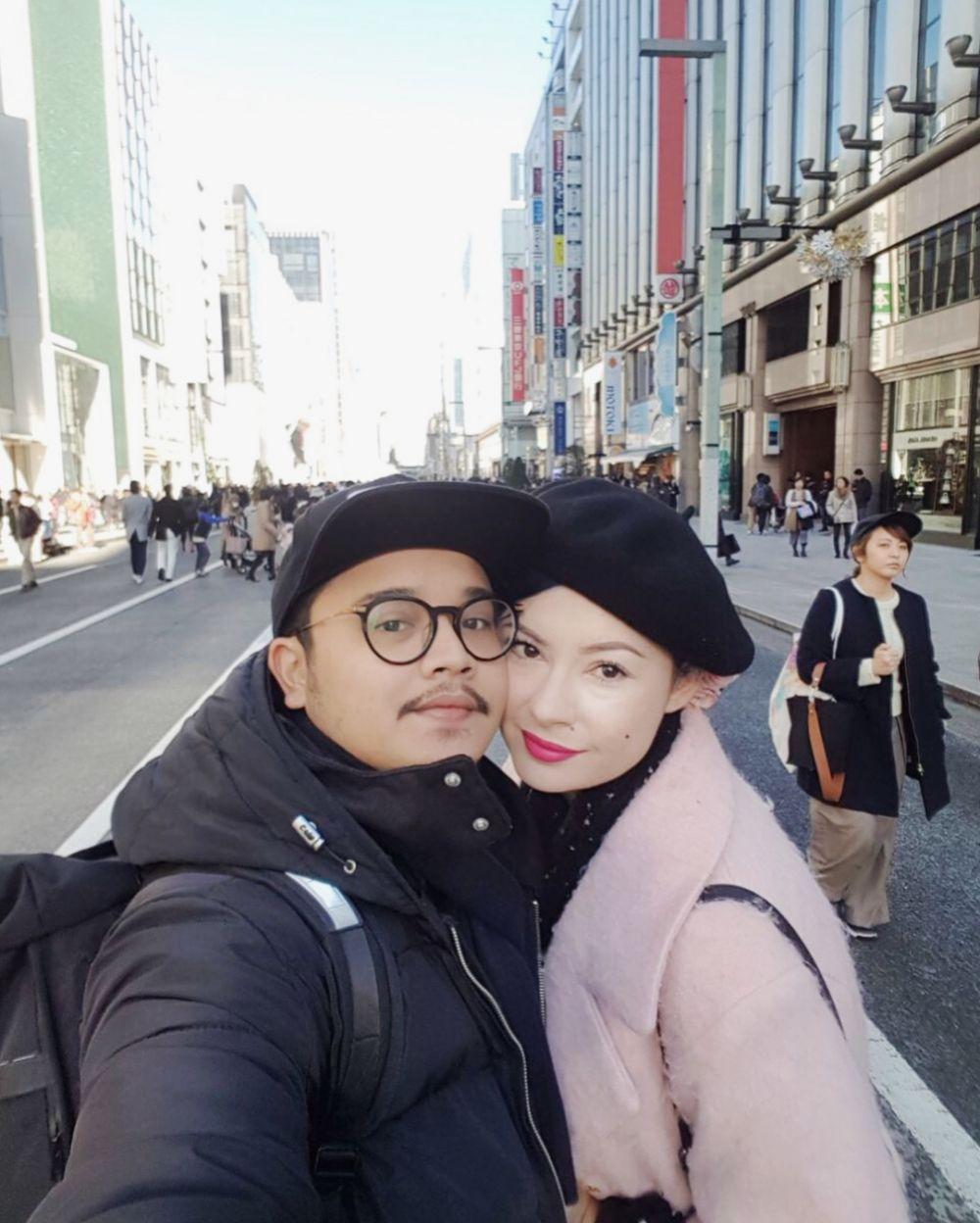 10 momen liburan derby romero istri di jepang jadi