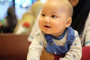 10 Potret menggemaskan Yusuf Alvin Ramadhan, cucu Ustaz Arifin Ilham