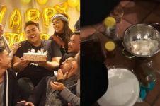 8 Potret keseruan ulang tahun Ivan Gunawan di Paris, pesta rendang nih