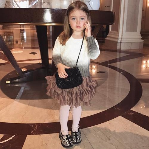 sophie fashionista cilik  © 2018 berbagai sumber