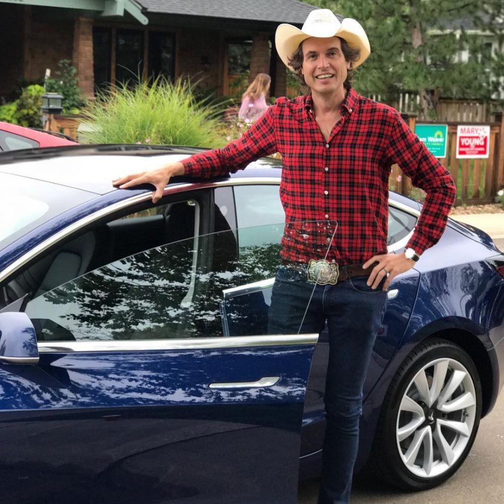 10 Potret gantengnya Kimbal Musk, sosok di balik kesuksesan Elon Musk