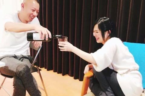 5 Momen kemesraan Sora Aoi dengan suaminya yang lebih tua 9 tahun