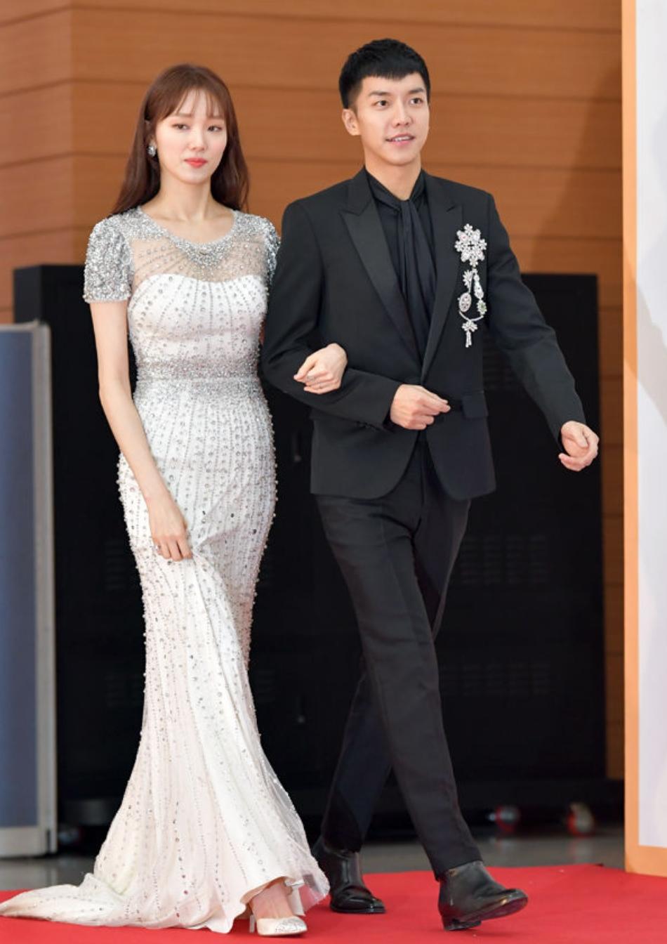 10 Outfit terbaik seleb cantik Korea © 2018 brilio.net