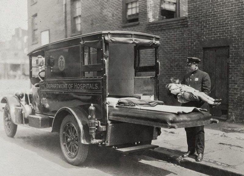 15 Foto jadul mobil ambulans © 2018 brilio.net