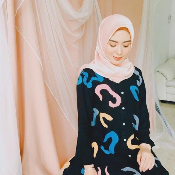 Ayana Jihye Moon  © 2018 Instagram
