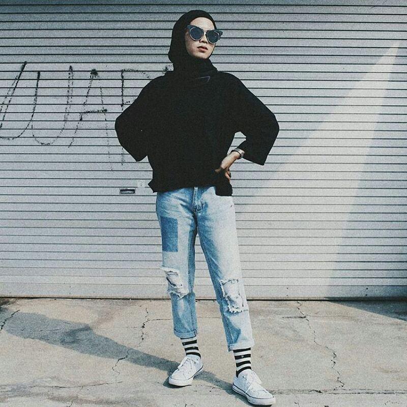 OOTD high waist jeans © 2018 instagram