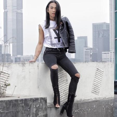 7 Inspirasi mix & match sepatu boots ala fashion stylist Jovi Adhiguna