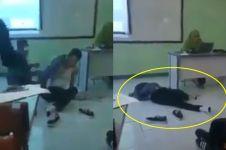 Mahasiswa tidur di lantai saat dosen mengajar ini bikin geleng-geleng