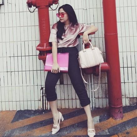 10 Gaya OOTD Prilly Latuconsina saat ke kampus, stylish abis