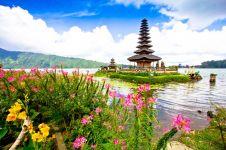Tak cuma pantai, 7 spot wisata Bali ini bikin travelingmu makin syahdu