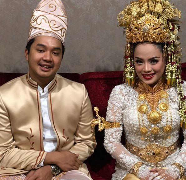 10 Gaya Alfi Asyari, anak Wakil Ketua MPR yang jadi pacar Awkarin