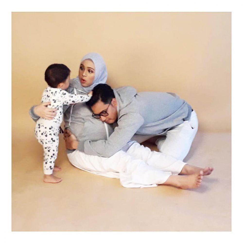 Usia Kandungan 7 Bulan Begini 10 Gaya Foto Maternity Ala Nycta Gina