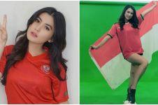 Gaya 6 seleb saat pakai jersey timnas Indonesia, Miyabi paling seksi?
