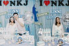 10 Momen keseruan baby shower Rinni Wulandari, disambut dengan tarian