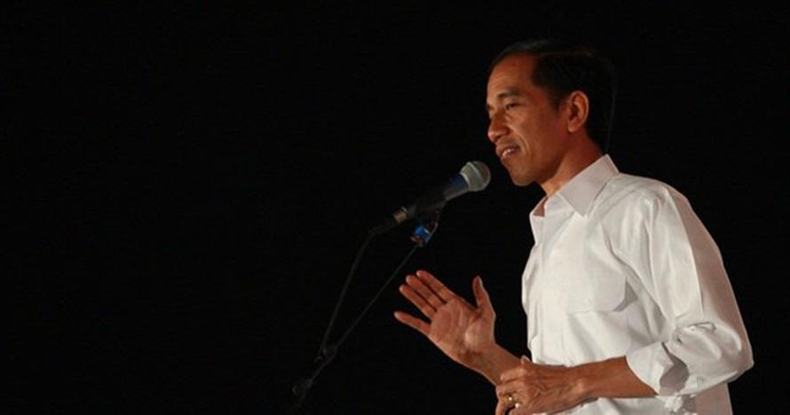 Viral, mahasiswa ini beri 'kartu kuning' ke Presiden Jokowi