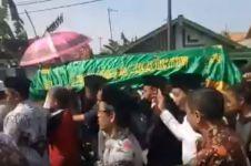 Guru di Sampang yang meninggal itu baru menikah & istrinya hamil muda