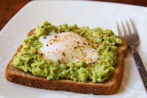 5 Sajian nikmat dari alpukat, ngemil sehat yang bikin kenyang