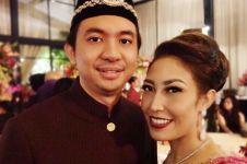 Berharap seromantis Dilan-Milea, postingan Ayu Dewi malah bikin ngakak