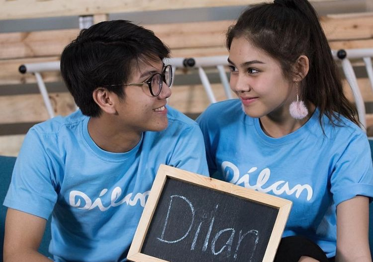 download film dilan 1990 pemeran iqbal