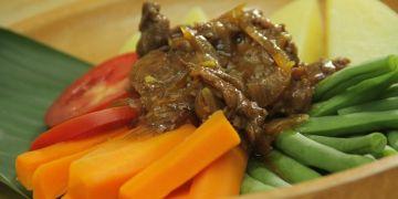 Resep praktis bikin Selat Solo, steak berkuah manis menggugah selera